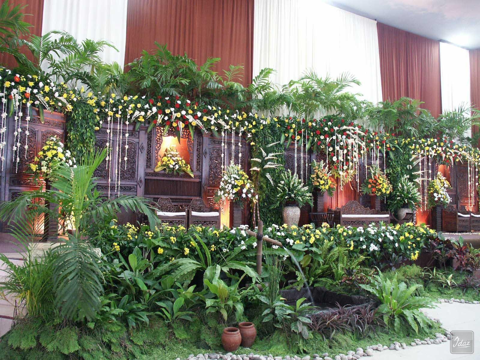 Dekorasi Pernikahan Tradisonal Gebyok Idaz