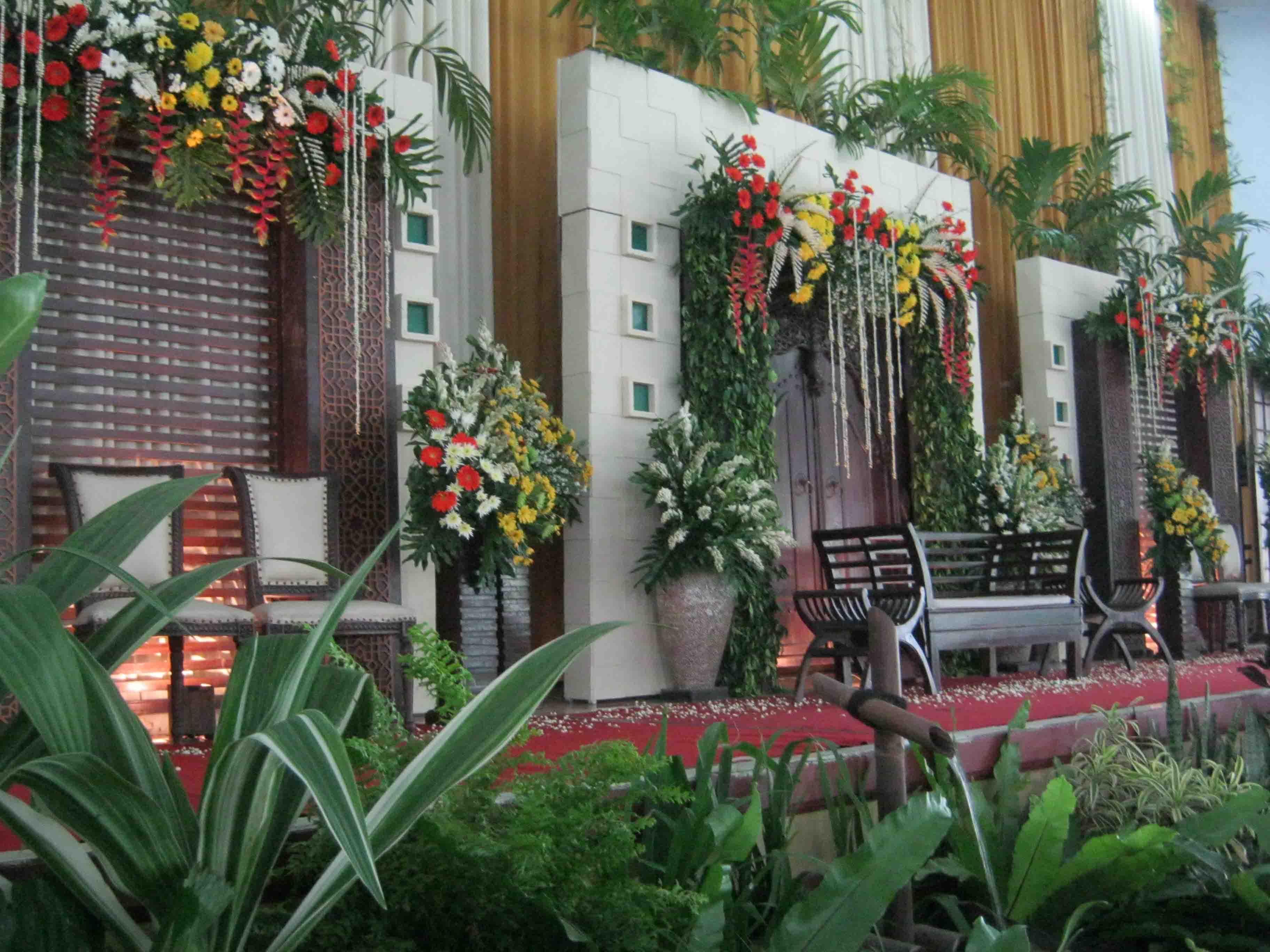 Beberapa Contoh Desain Taman Pernikahan Terbaik