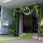 pintu-masuk-dekorasi-royal-wedding-di-griptha-kudus-by-Idaz-dekorasi