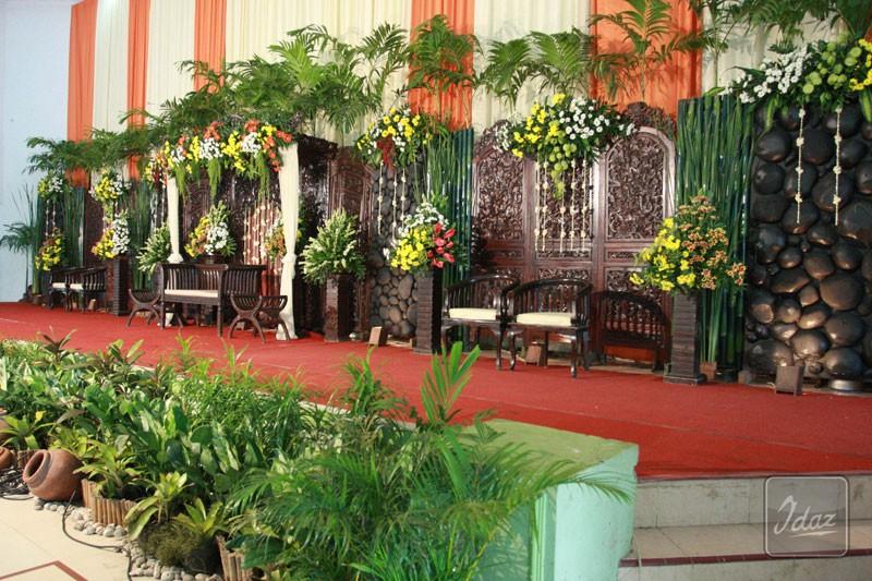 dekorasi pernikahan tradisional by idaz dekorasi Telp 089605461219 PIN226e6359