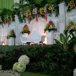 dekorasi gebyok putih di jhk kudus by idaz dekorasi telp  0291 438549