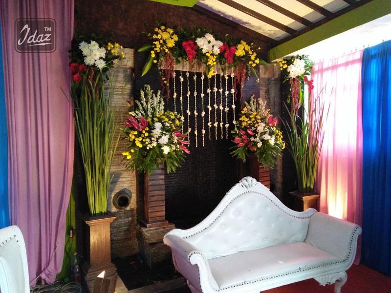 dekorasi di teras rumah by idazdekorasi