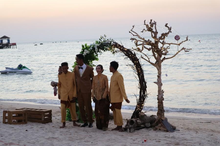 dekorasi fotobooth di jepara palm beach hotel bandengan jepara by idaz dekorasi