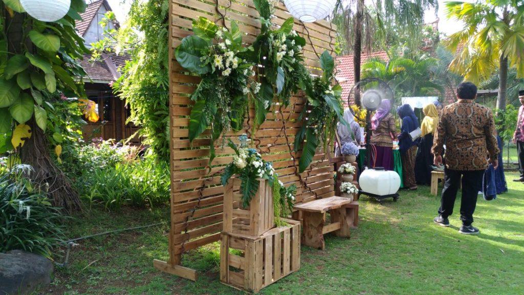 Foto Wedding Dg Dekorasi Pernikahan Outdoor Di Yogyakarta: Dekorasi Pelaminan