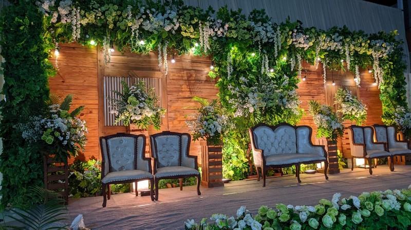 dekorasi pernikahan outdoor di kudus 0811 650 5758